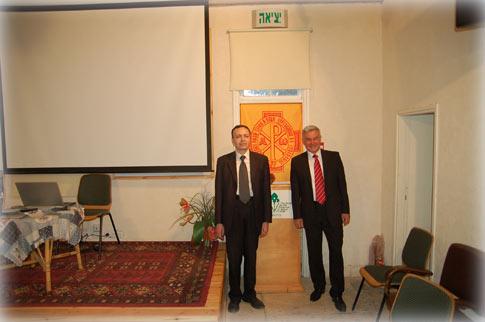 Представители Нижегородского ИППО: председатель О.А.Колобов (справа) и ученый секретарь А.А.Корнилов