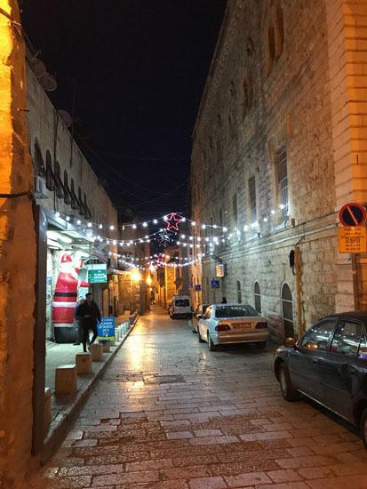 Улицы Иерусалима накануне Нового 2018 года и Рождества Христова Декабрь 2017 © Фото Павел Платонов