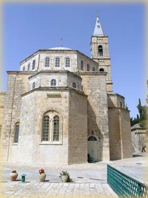 Вид на Вознесенскую церковь с колокольней
