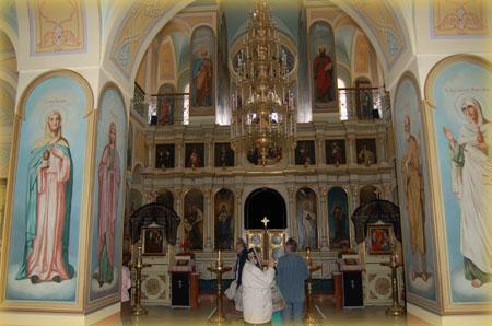 Иконостас, подаренный Императорским Православным Палестинским Обществом о.Антонину