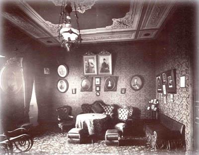 Гостиная в Сергиевском подворье