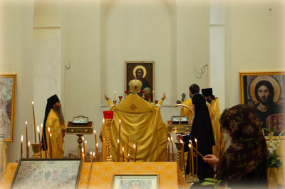 Торжественное богослужение возглавил начальник Русской Духовной Миссии в Иерусалиме архимандрит Елисей